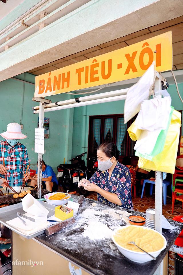 Hàng bánh tiêu CHẢNH nhất Việt Nam - mua được hay không là do nhân phẩm, dù chưa kịp mở cửa đã chính thức hết bánh khiến cả Vũng Tàu tới Sài Gòn phải xôn xao!  - Ảnh 7.