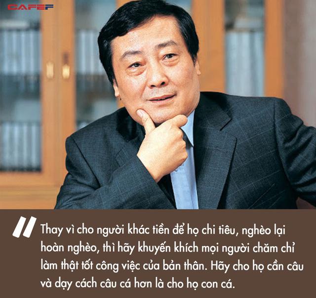 Vị tỷ phú ngoi lên từ dưới đáy xã hội, 42 tuổi mới khởi nghiệp rồi trở thành Vua giải khát giàu nhất Trung Quốc: Thời tới cản không kịp, nếu bạn có yếu tố then chốt này - Ảnh 3.