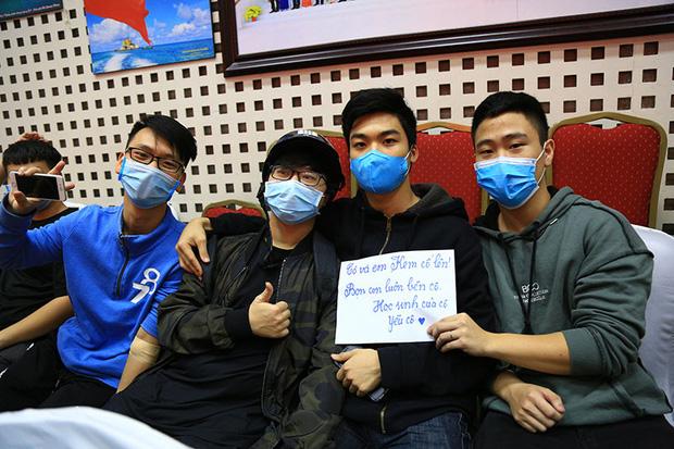 Cô giáo Hà Nội mắc ung thư ở tháng cuối thai kì, được hàng ngàn người kêu gọi hiến máu: Các bạn trẻ hãy trân trọng sức khỏe nhiều hơn - Ảnh 4.