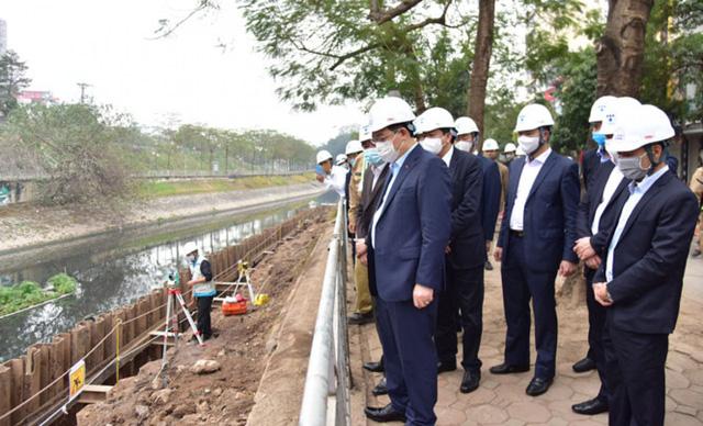 Đề xuất xây 8 trạm bơm dã chiến để cải thiện ô nhiễm sông Nhuệ và sông Tô Lịch  - Ảnh 2.