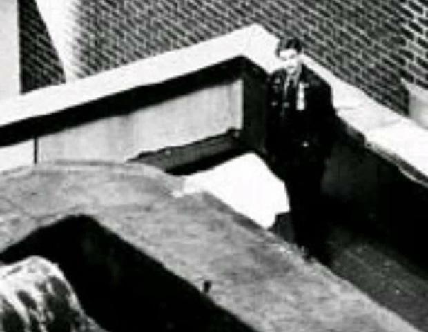 Tears in Heaven: Ca khúc bất hủ chất chứa nỗi đau của người cha sau khi con trai 4 tuổi ngã từ tầng 53 tử vong, thực tế còn có ý nghĩa khác - Ảnh 8.