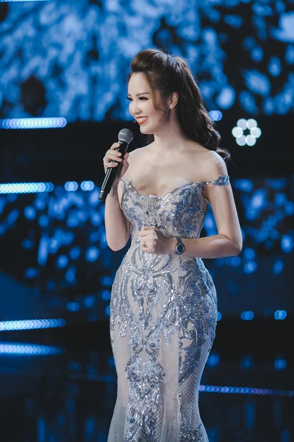 3 mỹ nhân Việt 25 tuổi nỗ lực không ngừng, để 10 năm sau xinh đẹp, giàu sang và hơn cả là một sự nghiệp thành công khiến ai cũng ngưỡng mộ - Ảnh 2.