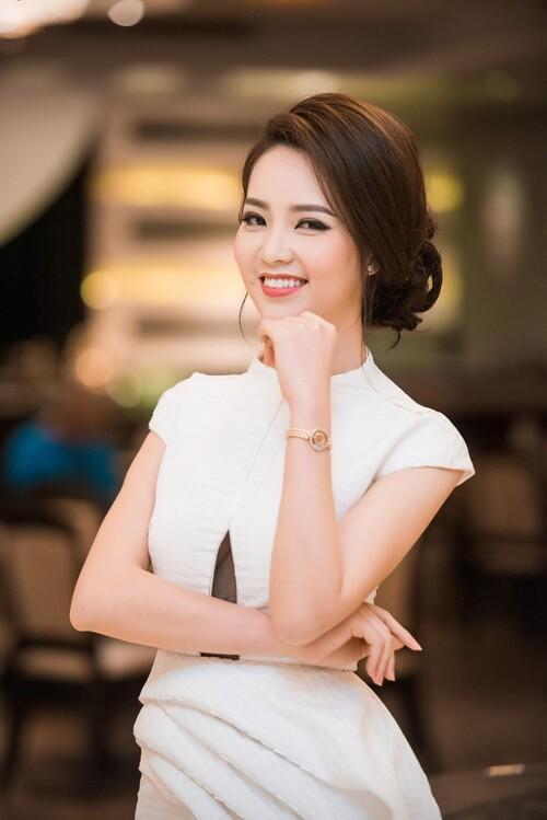 3 mỹ nhân Việt 25 tuổi nỗ lực không ngừng, để 10 năm sau xinh đẹp, giàu sang và hơn cả là một sự nghiệp thành công khiến ai cũng ngưỡng mộ - Ảnh 3.
