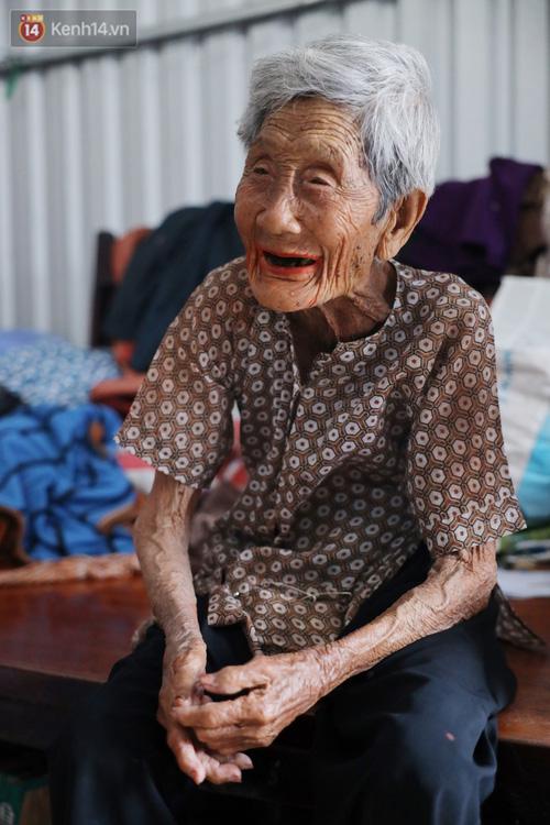 Về miền Tây nghe cụ Út hài hước kể chuyện một đời lo chữ hiếu: Tui đợi má mất thì sẽ lấy chồng, dè đâu má thọ 100 tuổi - Ảnh 10.