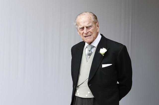 Một ngày sau khi Hoàng tế Philip qua đời, Nữ hoàng Anh có động thái đầu tiên khiến nhiều người rơi nước mắt - Ảnh 2.