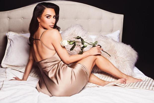 Bỏ lại quá khứ thị phi, Kim Kardashian nay đã trở thành tỷ phú thực thụ: Từ cô bạn thân mờ nhạt của Paris Hilton đến bà chủ đế chế mỹ phẩm, quần áo - Ảnh 1.