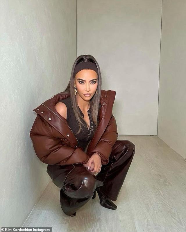 Bỏ lại quá khứ thị phi, Kim Kardashian nay đã trở thành tỷ phú thực thụ: Từ cô bạn thân mờ nhạt của Paris Hilton đến bà chủ đế chế mỹ phẩm, quần áo - Ảnh 2.