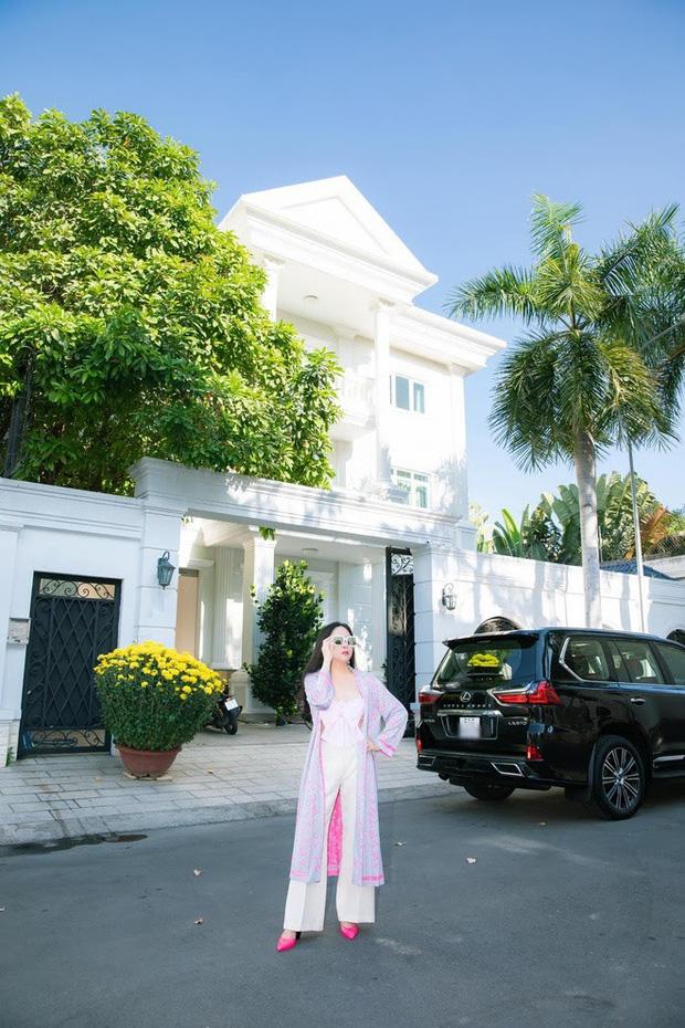 Khối tài sản của Phượng Chanel - Quách Ngọc Ngoan: Nàng có biệt thự tiền tỷ, chàng có trang trại 10.000m2 - Ảnh 3.