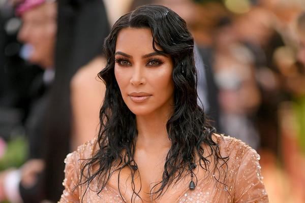 7 tỷ phú đôla trong làng giải trí hàng triệu ngôi sao Hollywood: Kim siêu vòng 3 lần đầu lọt danh sách, trở thành nữ doanh nhân vừa nóng bỏng vừa giàu sang  - Ảnh 1.