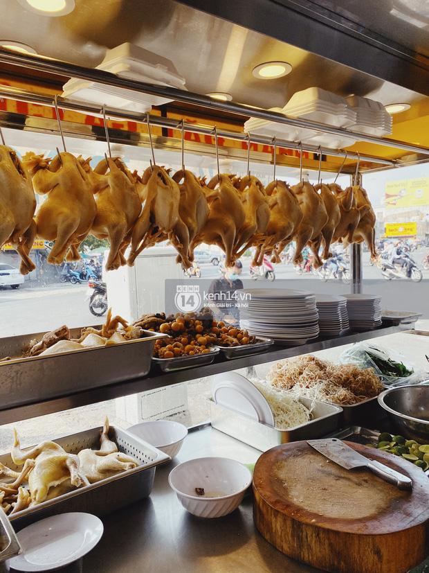 Kiểm chứng lời đồn được dân tài xế taxi Sài Gòn truyền tai nhau: Cơm gà nhà Bảo Anh ngon nhất cái Quận 5! - Ảnh 1.