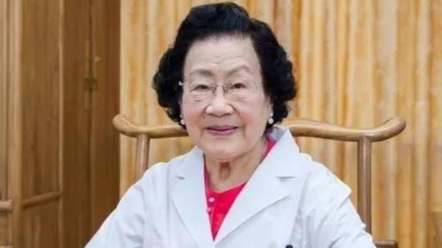 Bí quyết trường thọ của nữ lương y 100 tuổi: Gói gọn trong 5 điều, thực hiện tốt 1 điều cũng có thể kéo dài tuổi thọ - Ảnh 3.