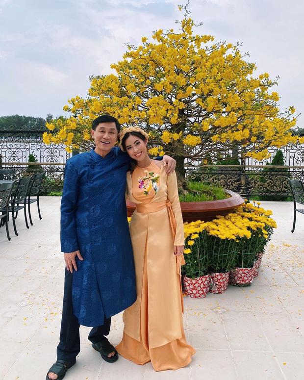 Lần đầu tiên, tỷ phú Johnathan Hạnh Nguyễn rơm rớm nước mắt, tiết lộ lý do thuê chuyên cơ 10 tỷ đưa con gái về nước cách ly  - Ảnh 2.