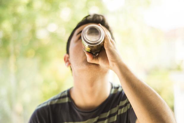 Chàng trai 21 tuổi bị suy tim, suy thận vì loại thức uống tưởng chừng bổ dưỡng mà nhiều người trẻ yêu thích - Ảnh 3.