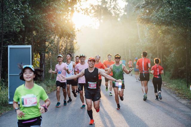 Phu Quoc WOW Island Race 2021: Vừa chạy vừa chill với những trải nghiệm có 1 không 2 bên gia đình và bè bạn - Ảnh 1.