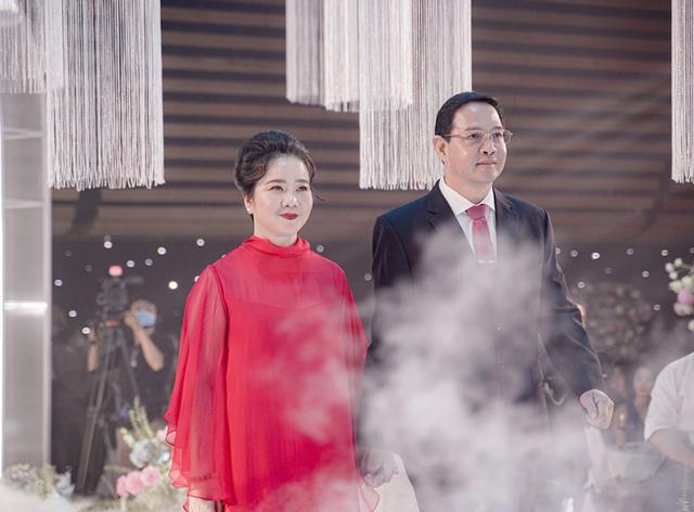 Mẹ vợ thiếu gia Phan Thành: Người phụ nữ quyền lực của ngôi trường dành cho hội con nhà giàu và ngôi sao - Ảnh 6.