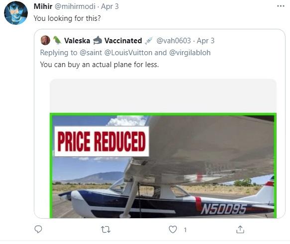 Túi xách hình máy bay giá 900 triệu VNĐ của Louis Vuitton bị cộng đồng mạng chê cười - Ảnh 4.