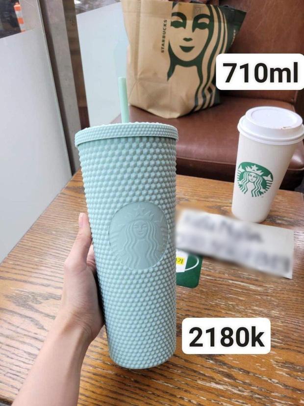 Giám đốc PR-Marketing Starbucks Việt Nam: Chúng tôi luôn bị phàn nàn vì sao lại thiếu những vật phẩm quà tặng như ly tách để bán - Ảnh 1.
