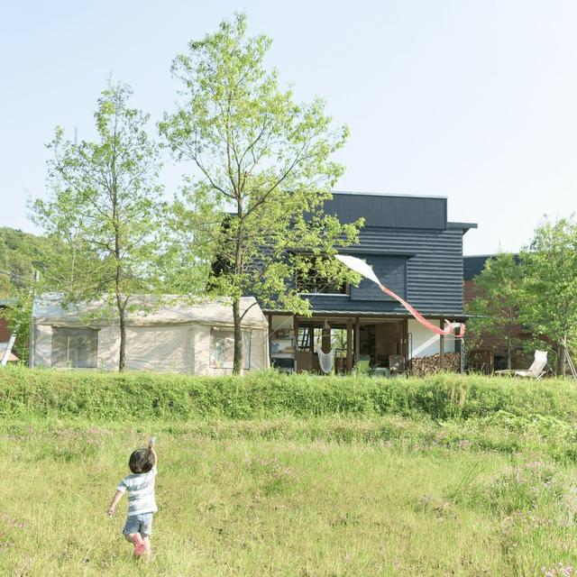 Bỏ phố về vùng nông thôn, gia đình 5 người biến cuộc sống trong ngôi nhà gỗ thành thiên đường ai cũng ước mơ - Ảnh 21.