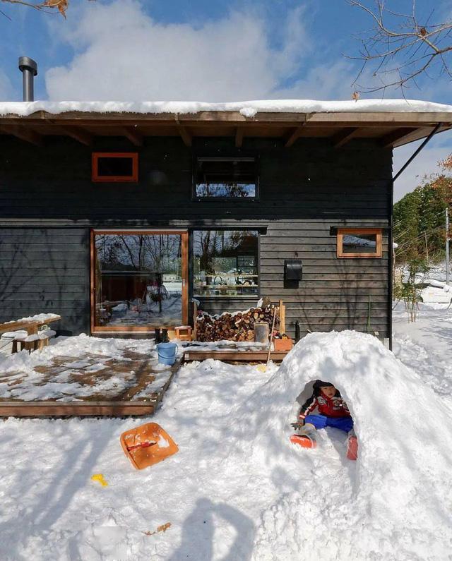 Bỏ phố về vùng nông thôn, gia đình 5 người biến cuộc sống trong ngôi nhà gỗ thành thiên đường ai cũng ước mơ - Ảnh 26.