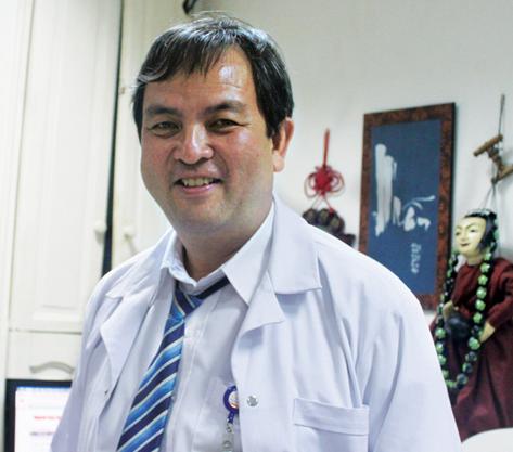 Bác sĩ Bạch Mai nhảy việc ra bệnh viện tư: Lương 60 triệu nhưng có lúc cũng hối hận - Ảnh 1.