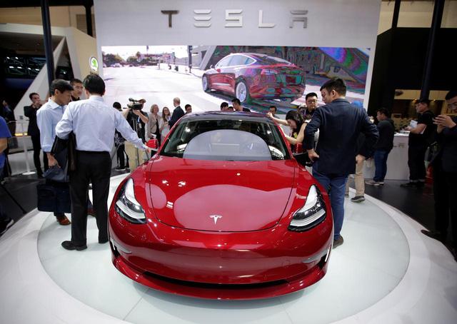 Ngoan như Tesla còn bị dạy bảo cho tới bến tại Trung Quốc - Ảnh 1.