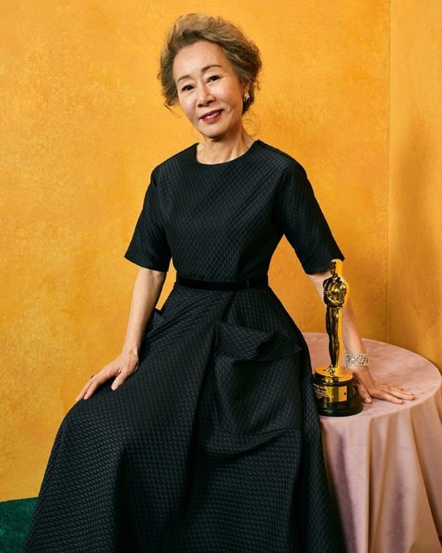 Bài phát biểu chấn động của sao Hàn 74 tuổi làm nên lịch sử ở Oscar: Khiến cả dàn sao Hollywood vừa ồ lên cười vừa vỗ tay thán phục - Ảnh 2.