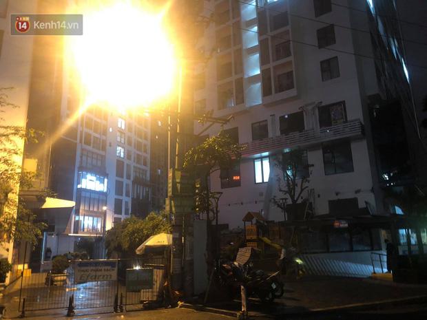 Cả dàn điều hoà ở chung cư Hà Nội bất ngờ đổ sập, rơi xuống sân chơi cho trẻ em - Ảnh 5.