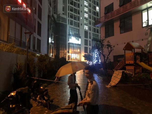 Cả dàn điều hoà ở chung cư Hà Nội bất ngờ đổ sập, rơi xuống sân chơi cho trẻ em - Ảnh 7.