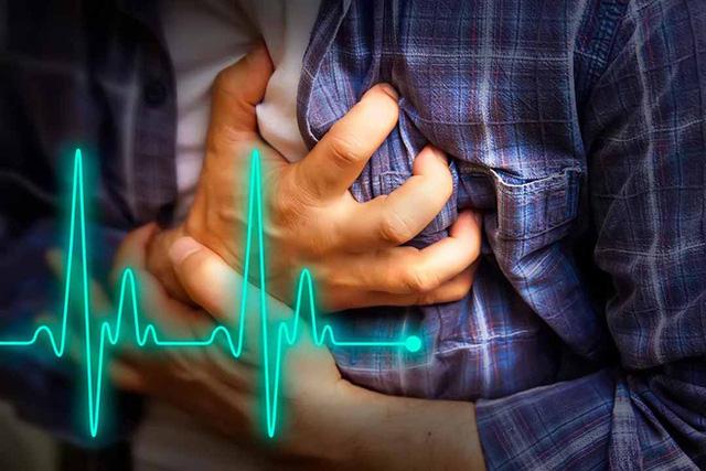 Người có nhịp tim nhanh thường có tuổi thọ ngắn hơn: Bác sĩ chỉ ra dấu hiệu cần gặp bác sĩ sớm - Ảnh 1.