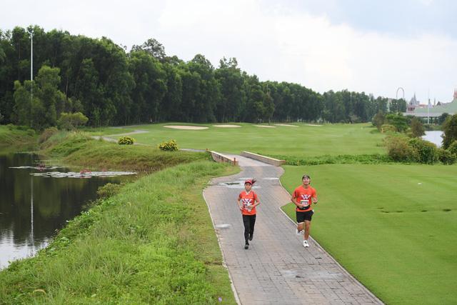 Nhà vô địch cự ly 21km Phu Quoc WOW Island Race 2021: Không hổ danh là giải chạy quốc dân, đúng nghĩa với từ WOW - ấn tượng, đặc biệt và khác biệt! - Ảnh 2.