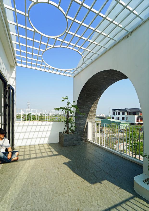 Sở hữu lô đất có vị thế đẹp, vợ chồng Đà Nẵng xây ngôi nhà nhỏ nhưng xuất sắc đến mức lên cả báo Mỹ - Ảnh 15.