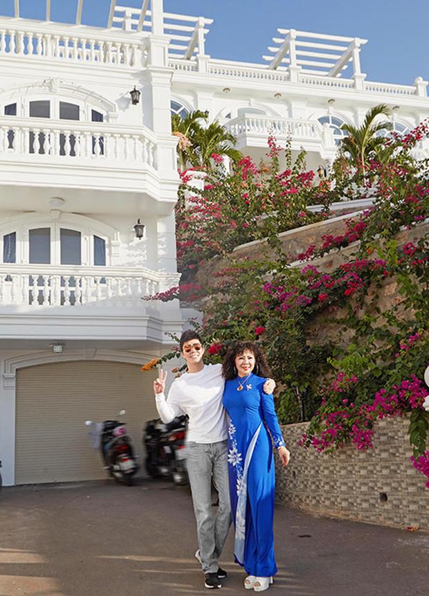 Gia tài Nathan Lee - Ngọc Trinh: Bên có từ villa Beverly Hills 12.000m2 đến bạch dinh 600 tỷ, bên yêu nữ đồ hiệu nức tiếng Vbiz - Ảnh 37.