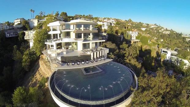 Gia tài Nathan Lee - Ngọc Trinh: Bên có từ villa Beverly Hills 12.000m2 đến bạch dinh 600 tỷ, bên yêu nữ đồ hiệu nức tiếng Vbiz - Ảnh 8.