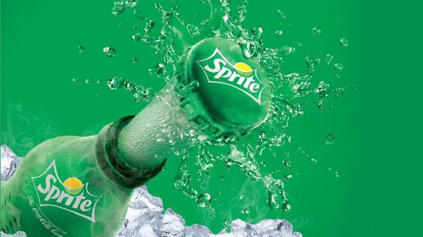Chỉ chuyển màu chai Sprite từ xanh sang trong suốt, vì đâu Coca-Cola lại gọi là sáng kiến vì môi trường? - Ảnh 1.
