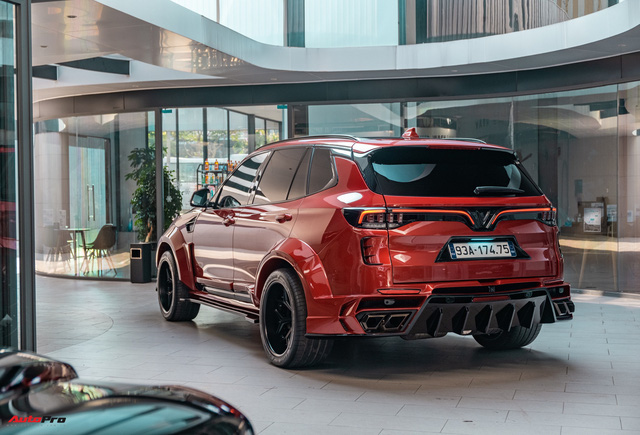 Chủ xe Bình Phước chi hàng trăm triệu độ VinFast Lux SA2.0: Ngoại hình như siêu SUV, công suất tăng 32 mã lực, riêng bộ mâm 100 triệu đồng - Ảnh 15.