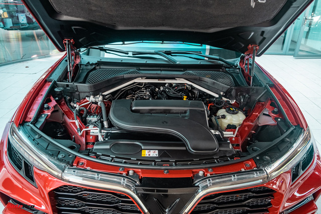 Chủ xe Bình Phước chi hàng trăm triệu độ VinFast Lux SA2.0: Ngoại hình như siêu SUV, công suất tăng 32 mã lực, riêng bộ mâm 100 triệu đồng - Ảnh 21.