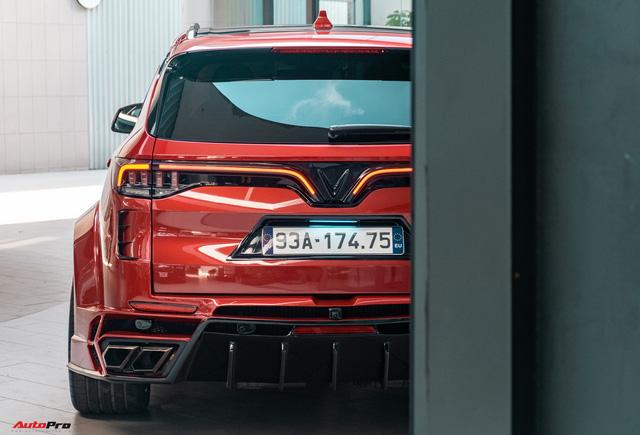 Chủ xe Bình Phước chi hàng trăm triệu độ VinFast Lux SA2.0: Ngoại hình như siêu SUV, công suất tăng 32 mã lực, riêng bộ mâm 100 triệu đồng - Ảnh 8.