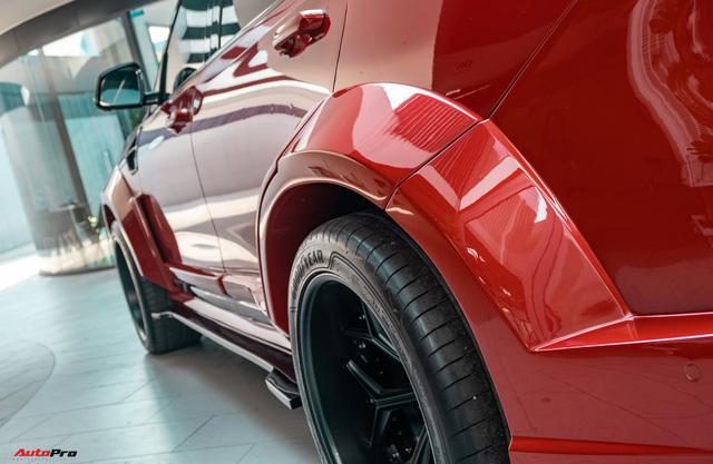 Chủ xe Bình Phước chi hàng trăm triệu độ VinFast Lux SA2.0: Ngoại hình như siêu SUV, công suất tăng 32 mã lực, riêng bộ mâm 100 triệu đồng - Ảnh 10.