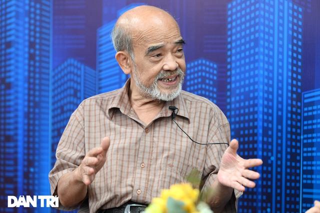 GS Đặng Hùng Võ hiến kế chặn sốt đất: Cấm chuyển nhượng, đánh thuế cao người mua đất nền mà không xây nhà - Ảnh 1.