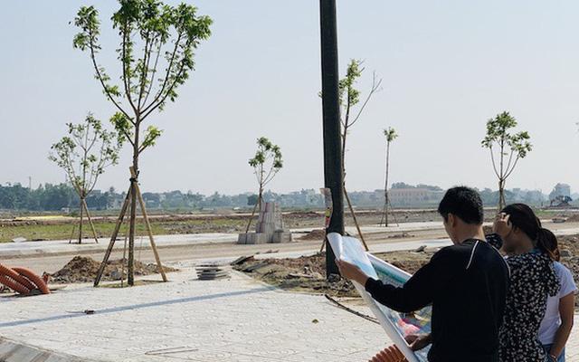 """Thanh Hoá """"sục sôi"""" trong cơn sốt đất, người người nhà nhà đi làm môi giới  - Ảnh 2."""
