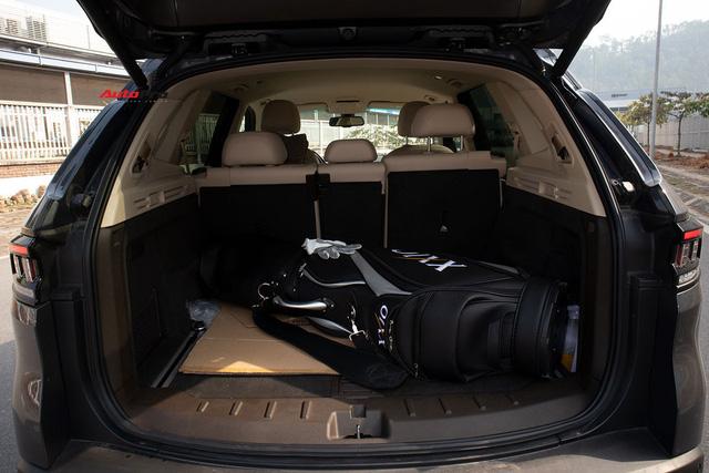 Đổi từ Mercedes-Benz GLC sang VinFast Lux SA2.0, giám đốc 8X đánh giá: Hơn vận hành, thua hoàn thiện, cần thêm tính năng an toàn - Ảnh 11.