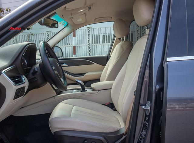 Đổi từ Mercedes-Benz GLC sang VinFast Lux SA2.0, giám đốc 8X đánh giá: Hơn vận hành, thua hoàn thiện, cần thêm tính năng an toàn - Ảnh 12.