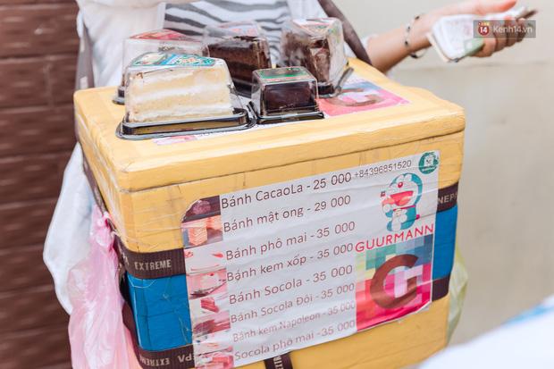 Ảnh, clip: Gặp cô Tây xinh đẹp bán bánh kem dạo mưu sinh trên đường phố Sài Gòn - Ảnh 16.