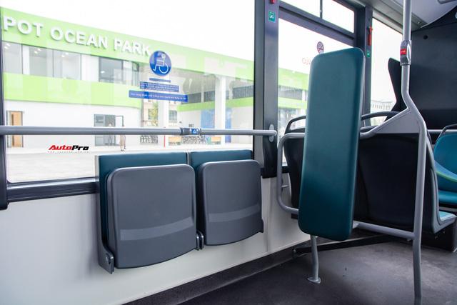 Nhiều tính năng thông minh, tự nâng/hạ gầm, WiFi miễn phí, giá như buýt thường - Ảnh 4.