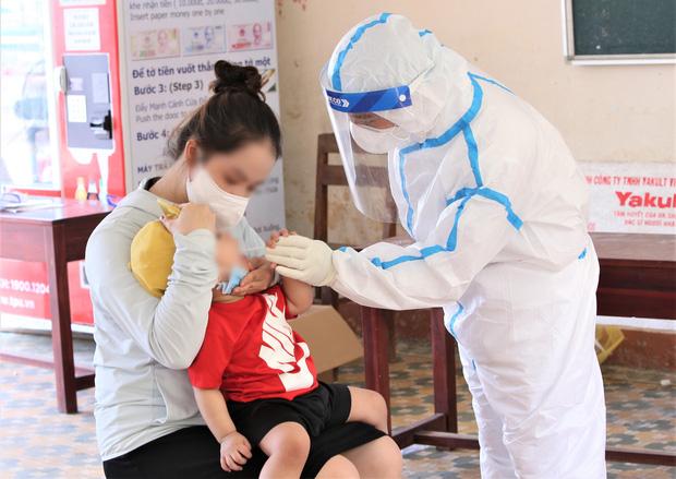 Đà Nẵng: Thêm 3 ca dương tính SARS-CoV-2 gồm bé gái 1 tuổi, nhân viên chuyển phát nhanh và người giúp việc - Ảnh 1.