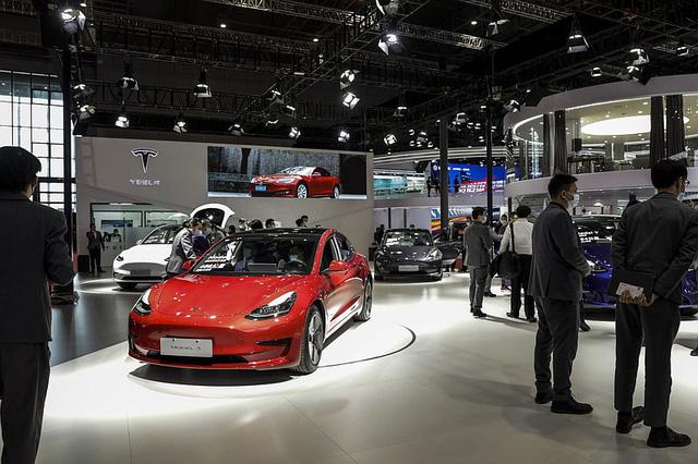Tesla dừng mua đất, mở rộng nhà máy ở Trung Quốc: Tuần trăng mật đang nguội dần? - Ảnh 1.