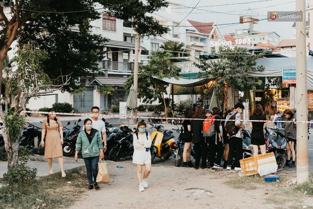 5 điểm tụ tập nổi tiếng của giới trẻ Sài Gòn giờ ra sao giữa mùa dịch: Nơi vắng lặng hơn hẳn, chỗ vẫn tấp nập như thường - Ảnh 3.