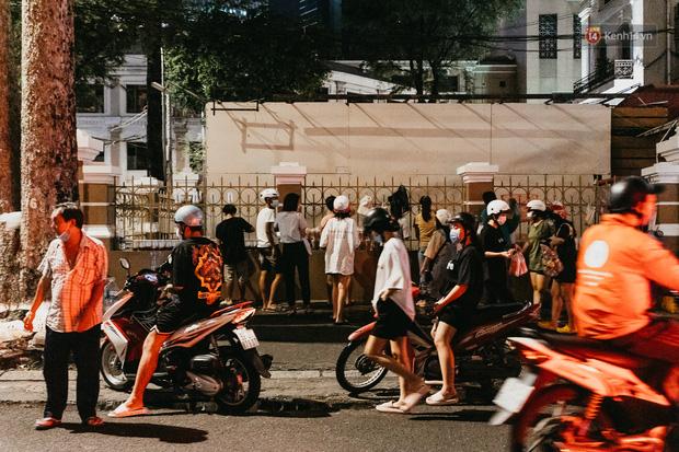 5 điểm tụ tập nổi tiếng của giới trẻ Sài Gòn giờ ra sao giữa mùa dịch: Nơi vắng lặng hơn hẳn, chỗ vẫn tấp nập như thường - Ảnh 24.