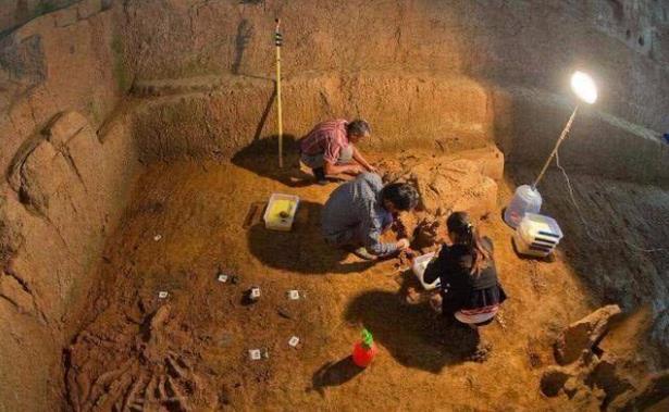Trộm mộ luôn vét sạch mộ cổ nhưng có một thứ dù chồng chất hàng tấn trong lăng chúng cũng không động vào, đó là gì? - Ảnh 3.
