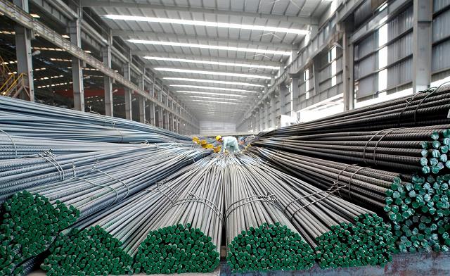 Xuất khẩu chiếm bao nhiêu trong cơ cấu bán hàng của Hòa Phát, Hoa Sen, Nam Kim? - Ảnh 2.